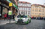Najszybsza taksówka w Pradze: rajdowy mistrz Jan Kopecký wozi pasażerów na pokładzie ŠKODY FABII R5